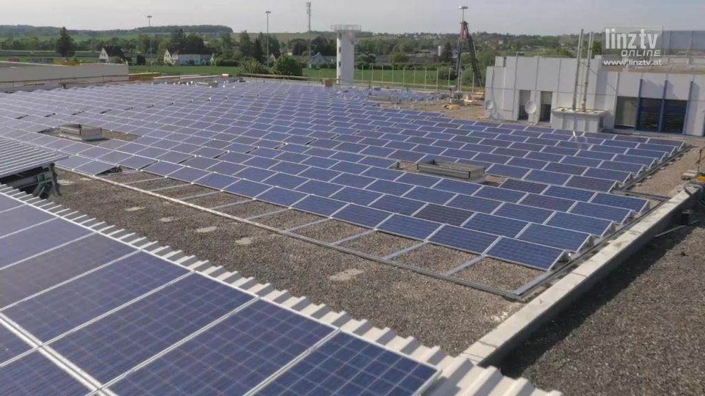Photovoltaik am Flughafen Linz