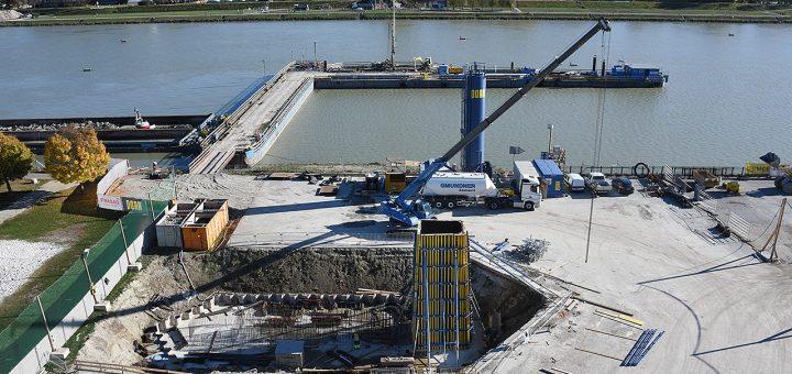 Donaubrücke Herbst 2018